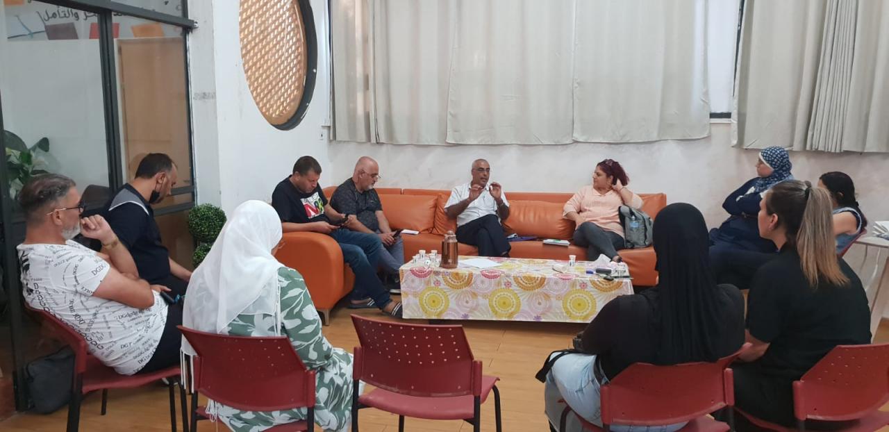 متابعة قضايا التعليم العربي تجتمع مع لجنة الأهالي في مدينة اللد